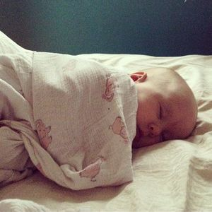 More moms share baby photos on social media  changing moms' identities