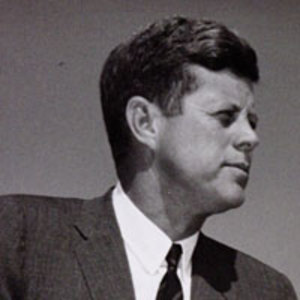 How kennedy handled the cuban missile crisis