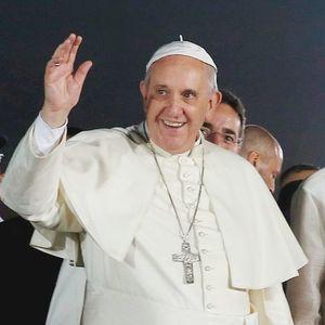 Pope francis arrival villamor airbase 4