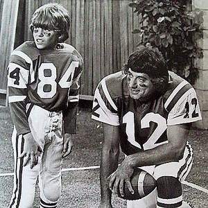 Joe namath mike lookinland brady bunch 1973